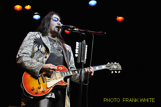 ACE FREHLEY  NOV  14 2014  PHOTO FRANK WHITE  SUGAR LOAF PAC  SUGAR LOAF  NEW YORK (23)